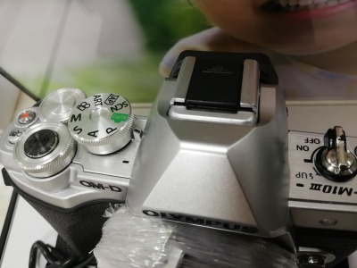 オリンパスOM-D E-M10 Markiii:撮影時操作するダイヤルの画像