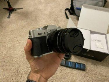 富士フイルム「X-T30」レビュー|スナップやポートレート撮影におすすめのミラーレスカメラ